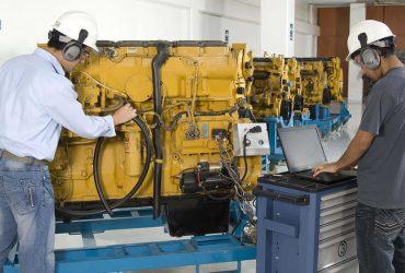 Reparaciones y mantenimiento de sistemas electrónicos de maquinaria para construcción.